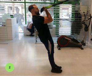 Mejores ejercicios para brazos - Biceps en suspensión