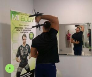 Mejores ejercicios para brazos - Extensión de tríceps